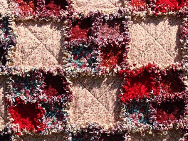 Reds flannel raggy quilt